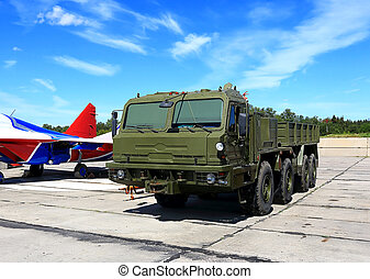 Military  special purpose towing vehicle