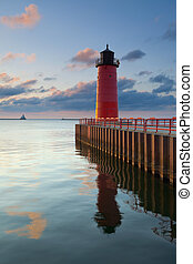 Image of the Milwaukee Lighthouse at sunrise.