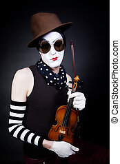 mime with violin