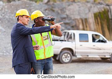 mina, gerente, mostrando, capataz, mineração, local