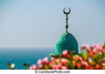 minaret, rosnący