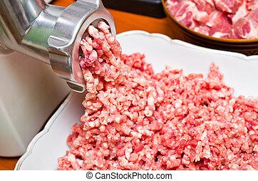 Fresh raw minced meat preparation
