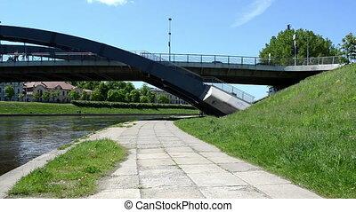 mindaugas bridge boat