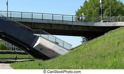 mindaugas bridge people