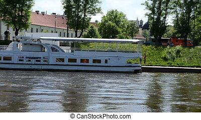 mindaugas bridge ship
