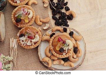 Mini almond nuts, fruit tart