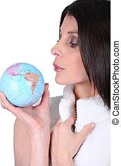 mini, globe, vrouw, blazen