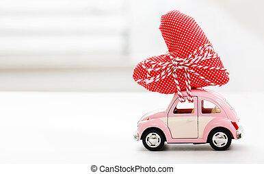 miniatura, coche, proceso de llevar, corazón rojo, cojín