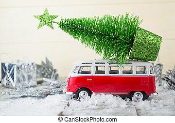 miniatura, coche rojo, con, árbol abeto