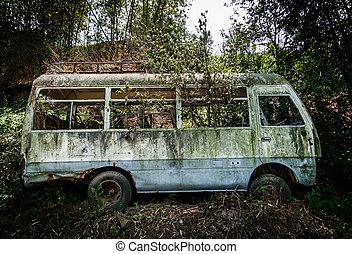 minibus, övergiven