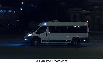 minibus, ville, nuit, conduite