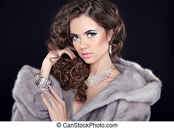 mink, makeup., elegante, moda, female., retrato, menina, inverno, cacheados, coat., isolado, longo, accessories., experiência., pretas, luxo, jewelry., mulher, hairstyle., beleza, pele, modelo