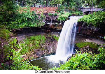 Minnehaha Falls is located in south-east Minneapolis and is only minutes from either downtown Minneapolis or Saint Paul