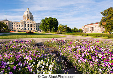 Minnesota State Capital Building and the Front Lawn Flower Garden