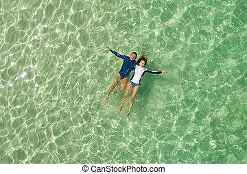 miodowy miesiąc, para, morze, snorkeling, romantyk