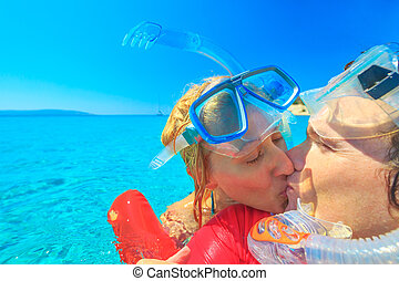 miodowy miesiąc, para, snorkeler