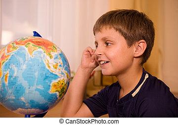 mirar, niño, globo, mundo