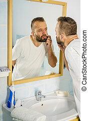 miroir, lui-même, homme, regarder