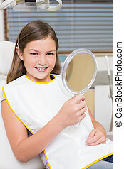 miroir, petite fille, dentistes, tenue, chaise