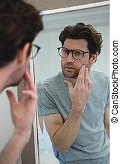 miroir, sien, regarder, face homme