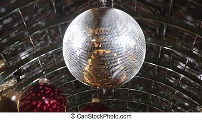 Mirror Ball - Rotating Big Disco Ball With Mirror ...