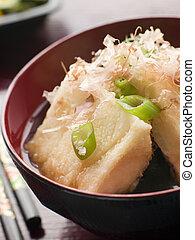 miso, knapperig, bonito, tofu, flakes, pickles, gebraden