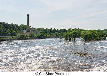 Mississippi River below Lock #1, Minneapolis, Minnesota