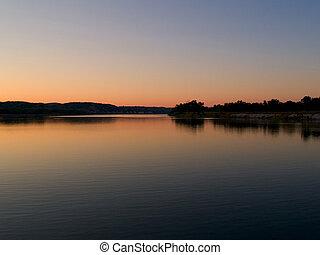 Missouri Dawn - Missouri river snrise at the bald eagle...