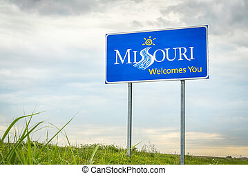 Missouri Welcomes You roadside sign - Missouri Welcomes You...