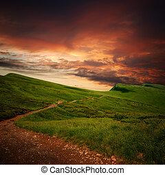 misterio, montaña, pradera, por, horizonte, trayectoria
