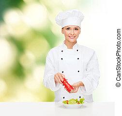 mistrz kucharski, samica, przygotowując, sałata, uśmiechanie się