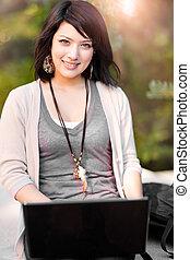 misturado, laptop, raça, estudante universitário