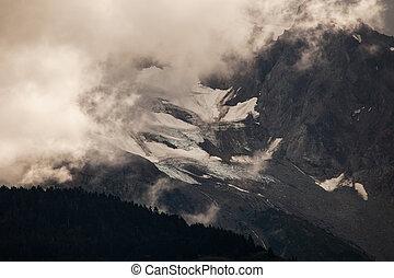 Misty Alaskan mountains