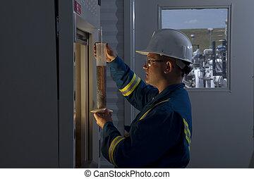 misurazione, petrolio, prodotti chimici, lavoratore