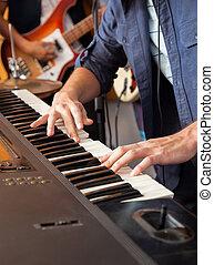 mitglied, aufnahme, band, studio, piano, spielt