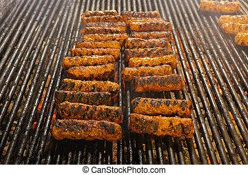 (mititei, parrilla, carne, (romanian), tradicional, plato, balcanic, mici), rollos