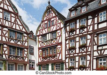 mittelalterlich, häusser, in, bernkastel, deutschland