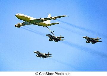 mitten in der luft, auftanken, airforce