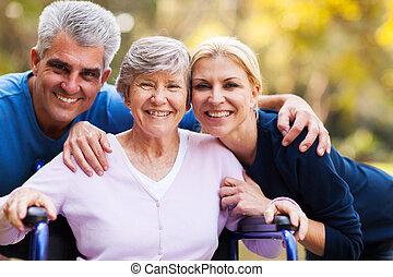 mittler, alter, paar, und, älter, mutter
