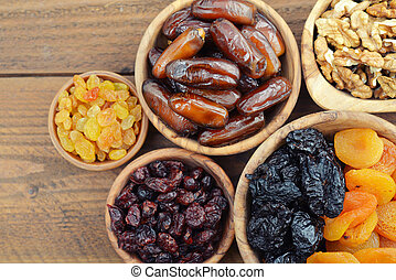 Mix of dried fruits