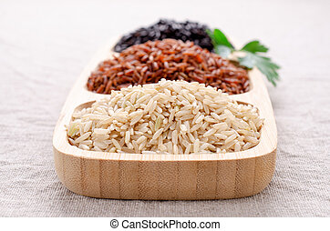 Mix of unpolished rice