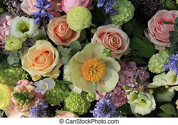 Mixed bridal arrangement - Mixed bridal flower decorations:...