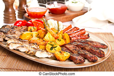 Mixed platter - Mixed grilled meat platter and pickles