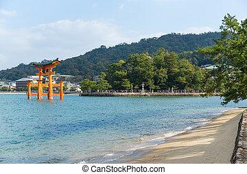 miyajima, itsukushima shrine