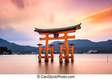 miyajima, tor, japan