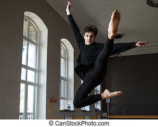 mládě, mužský, tanečník, skákání, v, tělocvična