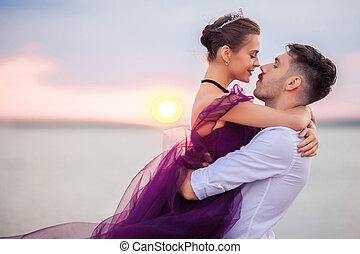 mládě, romantik kuplovat, povolit, oproti vytáhnout loď na břeh, dávat si pozor západ slunce