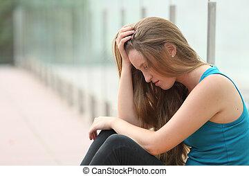 mladistvý, děvče, sedění, ve volné přírodě, deprimovaný