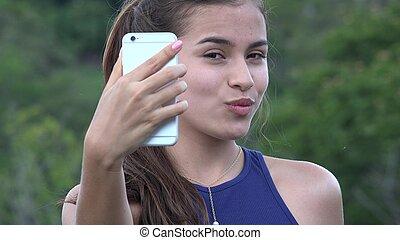 mladistvý sluka, dobytí, selfy, s, cela telefonovat