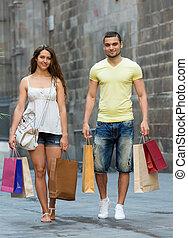 mnóstwo, para, kochający, zakupy, miasto